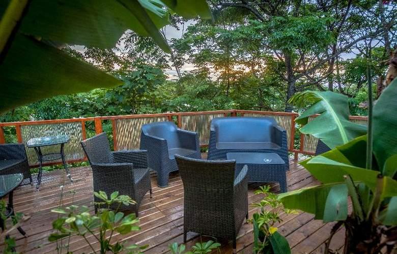 Easter Island Eco Lodge - Terrace - 3