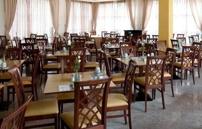 Prima Palace - Restaurant - 1