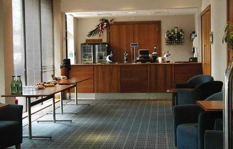 Holiday Inn Lancaster - Bar - 2