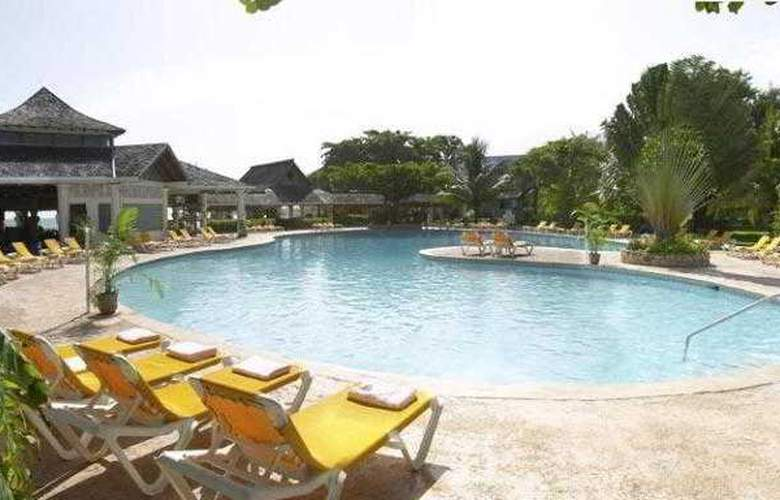 Jewel Runaway Bay Beach Resort & Waterpark – All-Inclusive Resort - Pool - 12