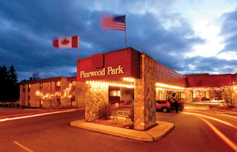 Ramada Pinewood Park Resort North Bay - Hotel - 0