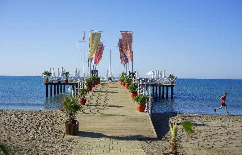 Limak Arcadia Golf & Sports Resort - Beach - 35