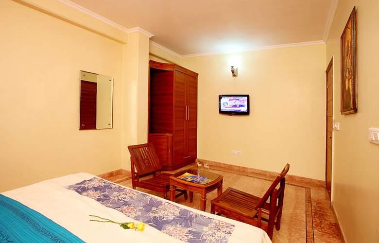 Indira International Inn - Room - 3
