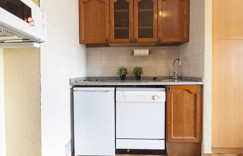 Deusol Apartamentos by Habitat - Room - 20