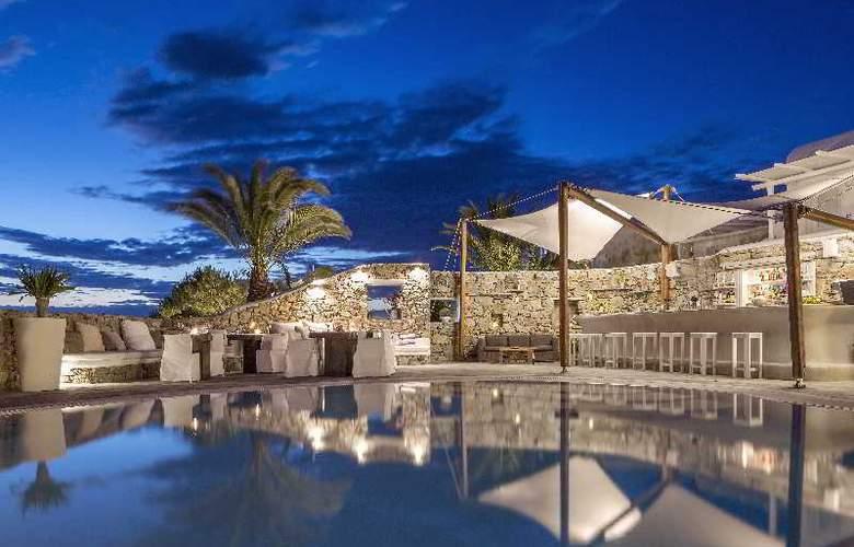 Ostraco Luxury Suites - Pool - 7