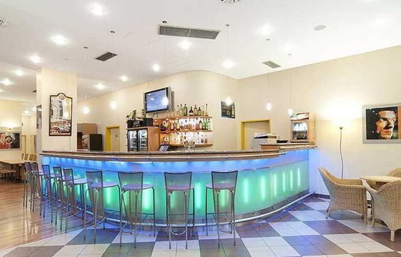 Best Western Amedia Praha - Bar - 8