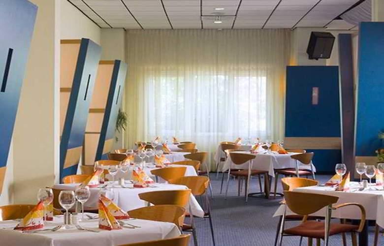 Comfort Hotel Berlin Lichtenberg - Restaurant - 3