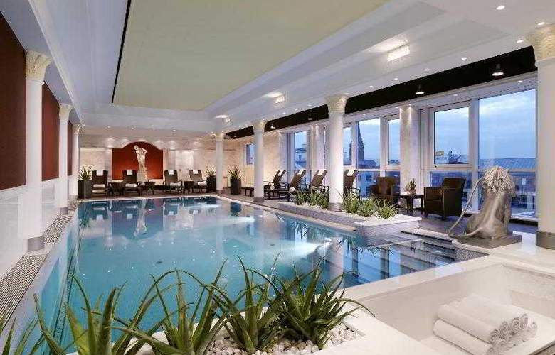 The Westin Grand Frankfurt - Pool - 43