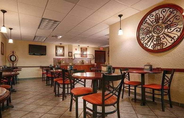 Best Western Universal Inn - Hotel - 24