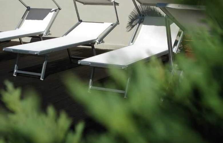Principe di Piemonte (Rimini) - Terrace - 19