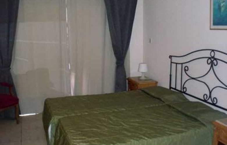 Piere Anne Beach Hotel - Room - 2