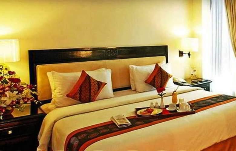 Travellers Hotel Jakarta - Room - 2