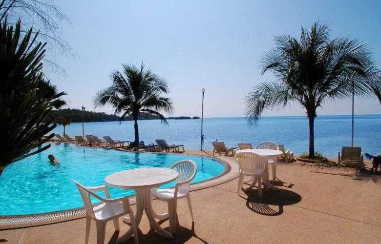 Samui Island Beach Resort and Hotel - Pool - 10