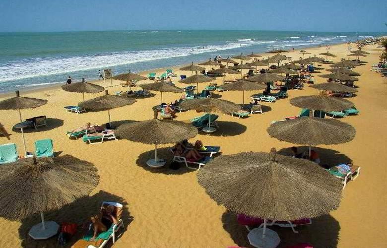 Senegambia Beach Hotel - Beach - 5