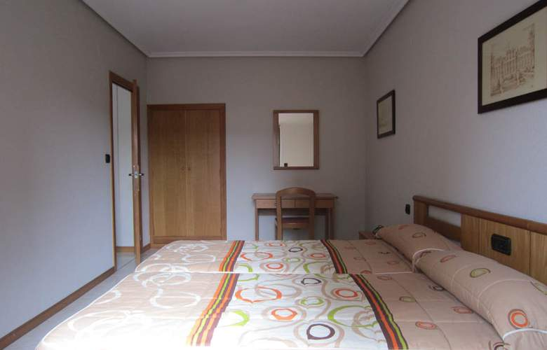 Apartamentos Turísticos Laredo Playa - Room - 2