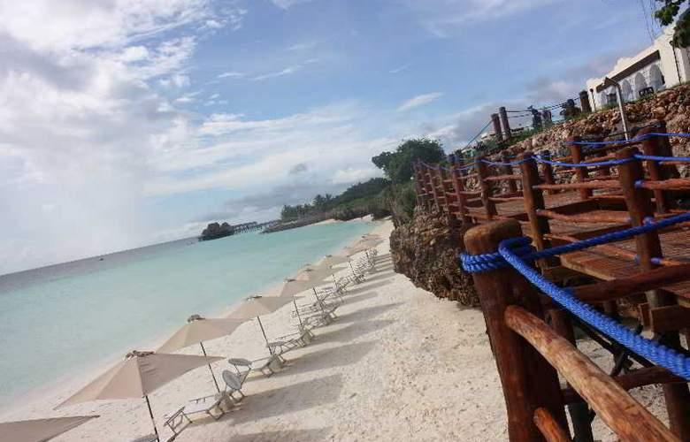Hotel Riu Palace Zanzibar - Beach - 22