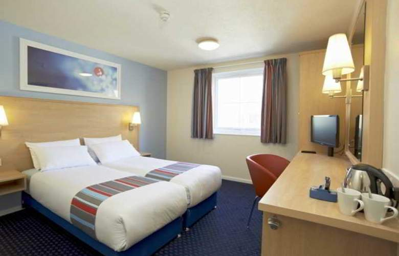 Travelodge Birmingham Central Broadway Plaza - Room - 17