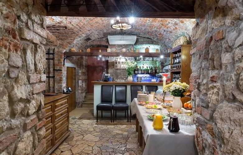 Karmel - Restaurant - 11