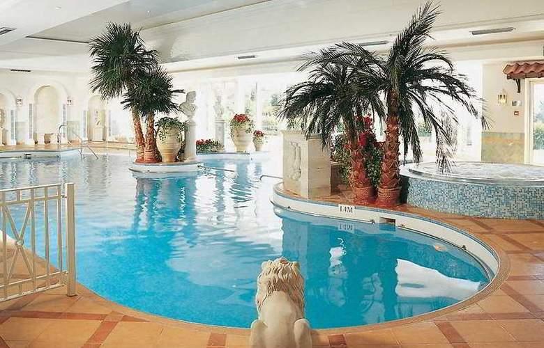 Hallmark Hotel Derby Mickleover Court - Pool - 5