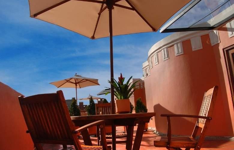 Hotel Casa Deco - Terrace - 4