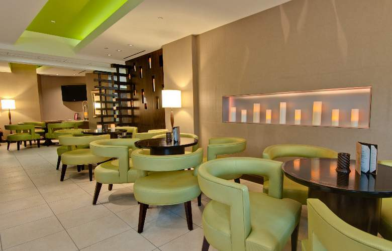 Hilton Garden Inn - Los Angeles Hollywood - Bar - 4
