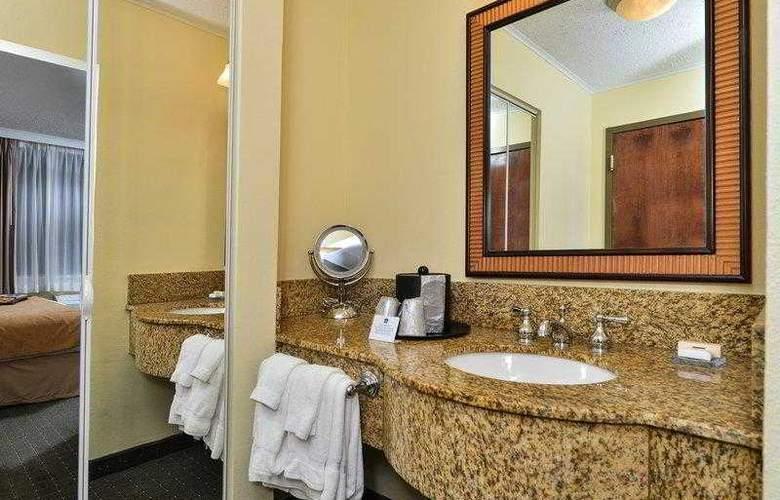 Best Western Plus St. Charles Inn - Hotel - 23
