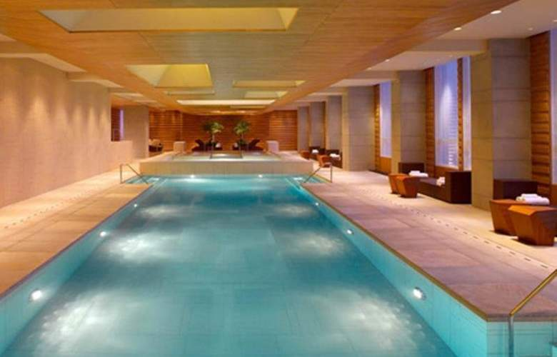 Grand Hyatt Guangzhou - Pool - 20