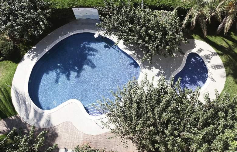 Prestige Victoria - Pool - 27