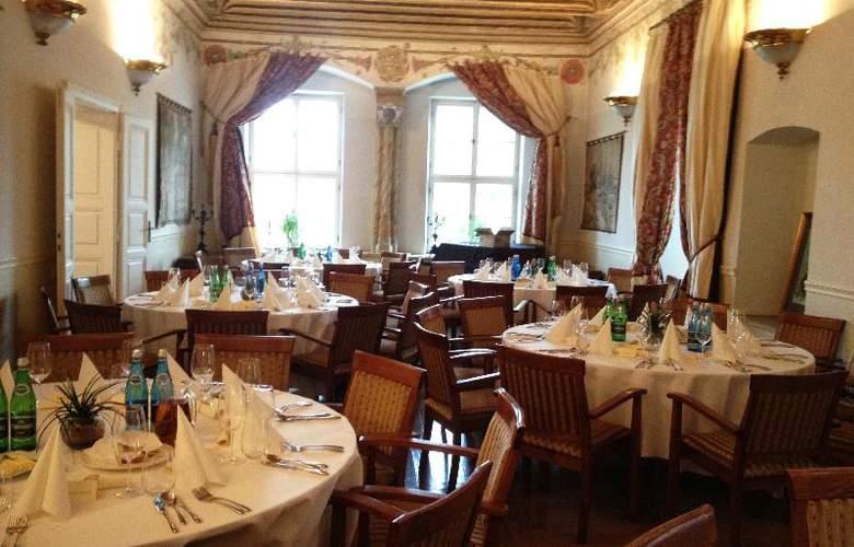 The Bonerowski Palace - Conference - 25