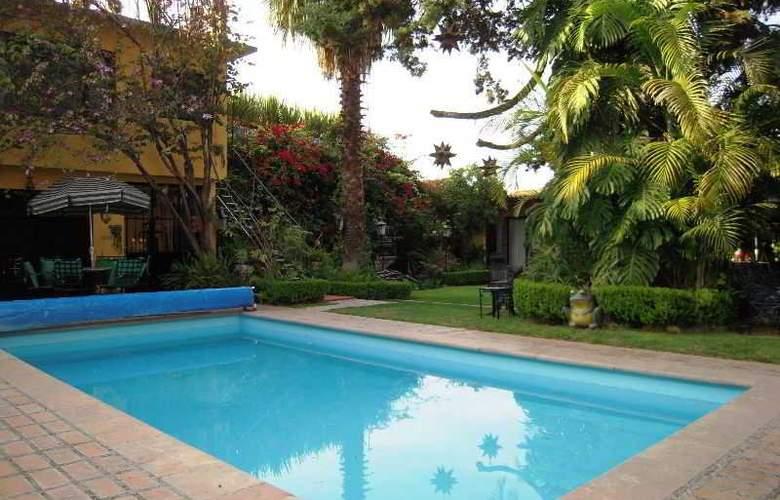 Hacienda de las Flores - Pool - 10