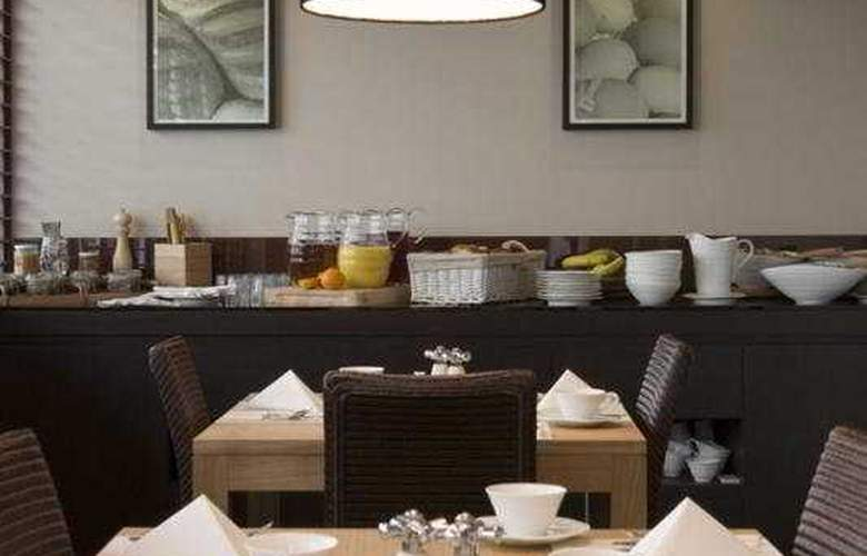 Dolphin House - Restaurant - 4