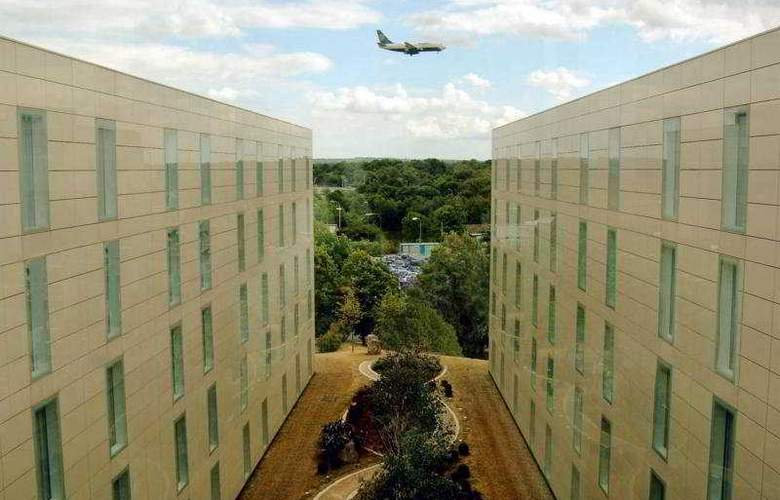 Hilton London Gatwick Airport - General - 1