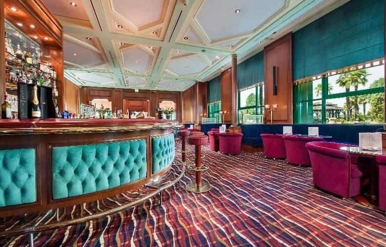 Royal Garden Hotel - Bar - 6