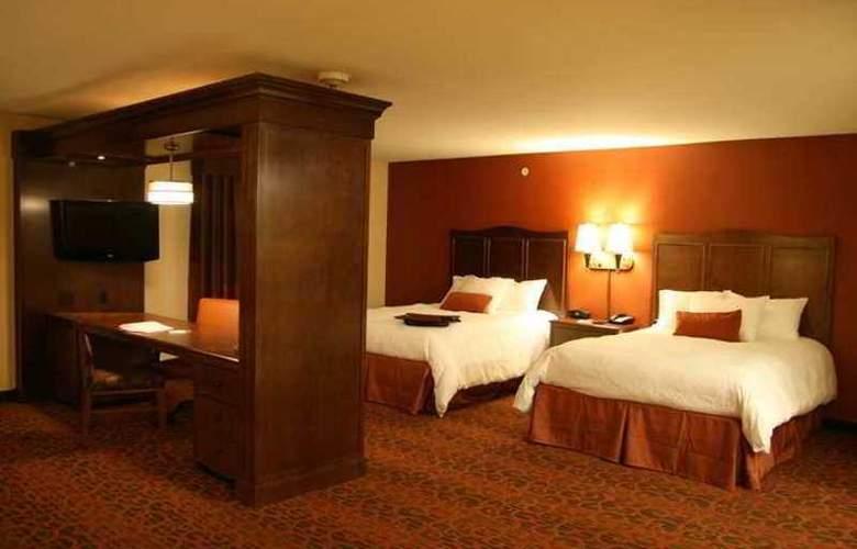 Hampton Inn & Suites New Castle - Hotel - 3