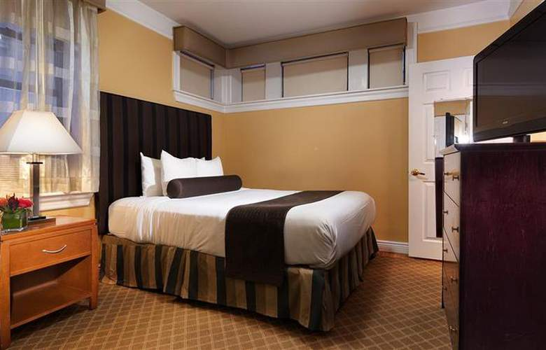 Best Western Plus Hospitality House - Apartments - Room - 107