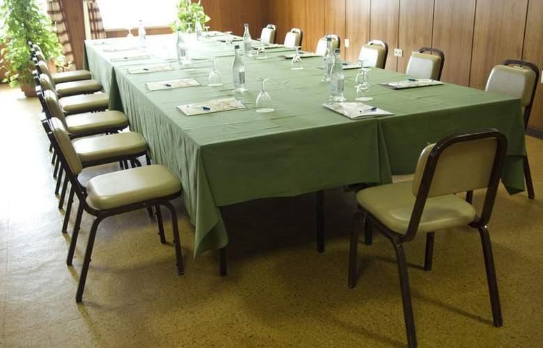 Rainha d'Amélia - Conference - 18