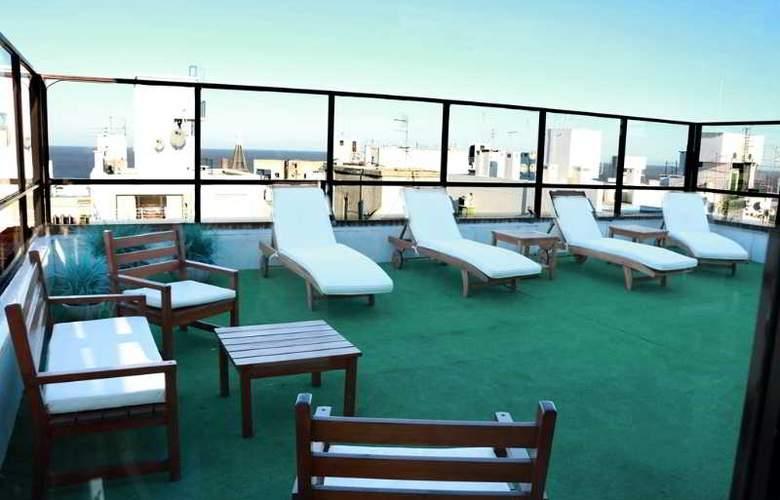 Pocitos Plaza Hotel - Terrace - 10