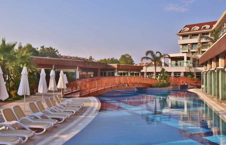 Evren Beach Resort - Pool - 19