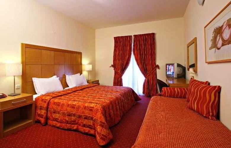 Golden Star Hotel - Room - 6