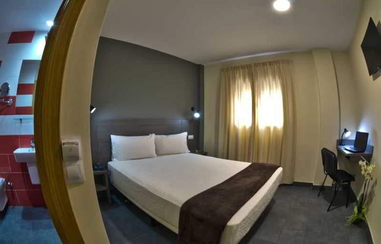 Hotel Puerto Canteras - Room - 9