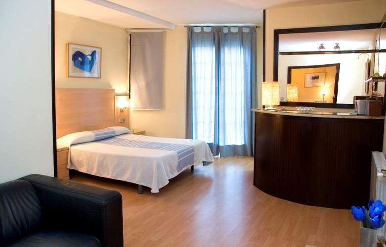 Alos Apartamentos - Room - 6