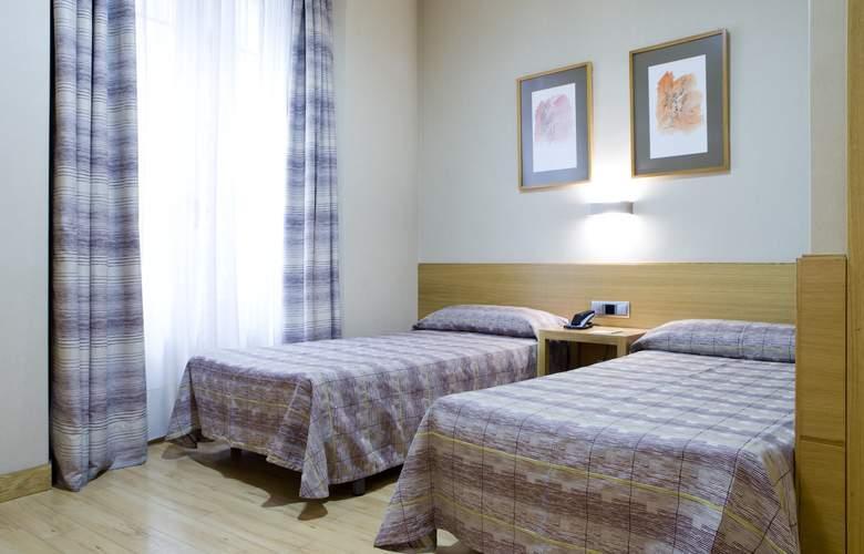 Hostal El Pasaje - Room - 13