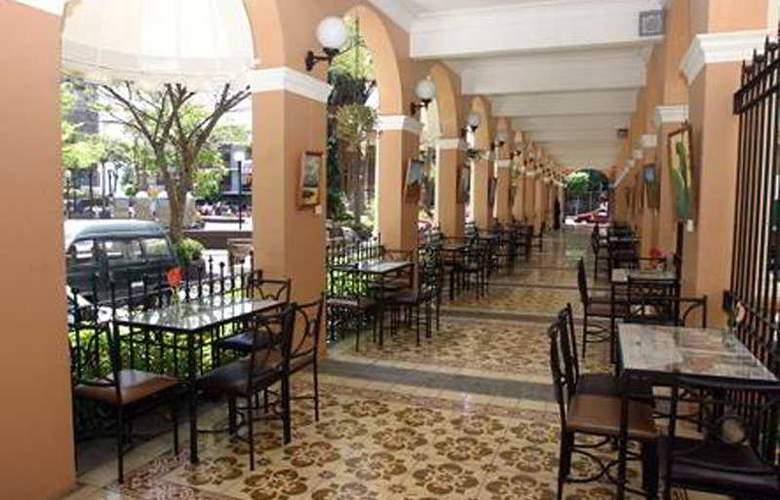 Gran Hotel Costa Rica - Terrace - 7