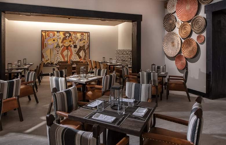 Lopesan Costa Bávaro Resort Spa & Casino - Restaurant - 25