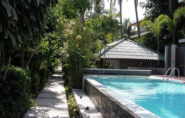 Evergreen Resort - Pool - 11