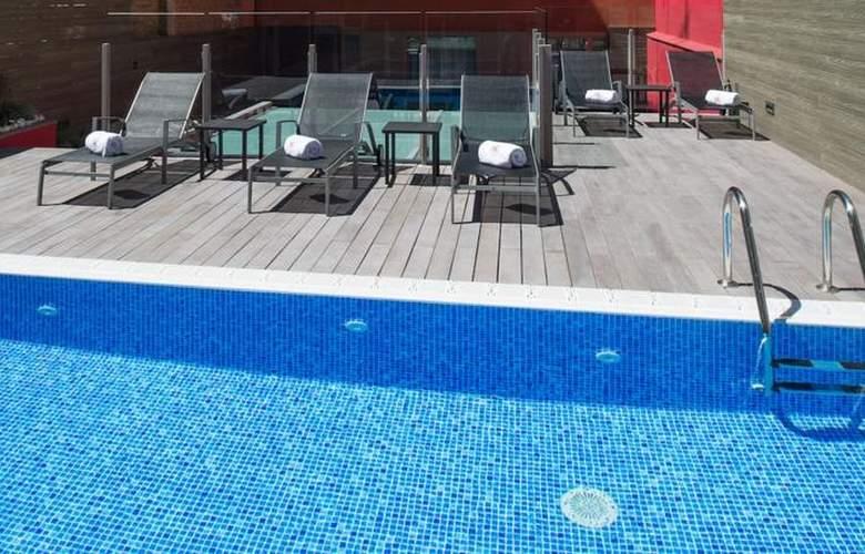 Catalonia Sagrada Familia - Pool - 2