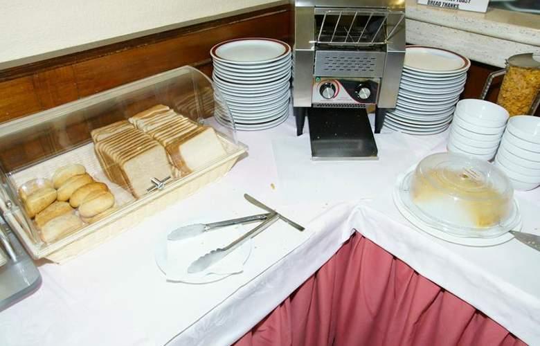 Best Western Hotel Los Condes - Restaurant - 113