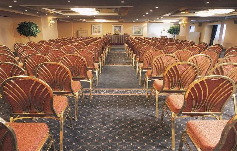 Zafolia - Conference - 14