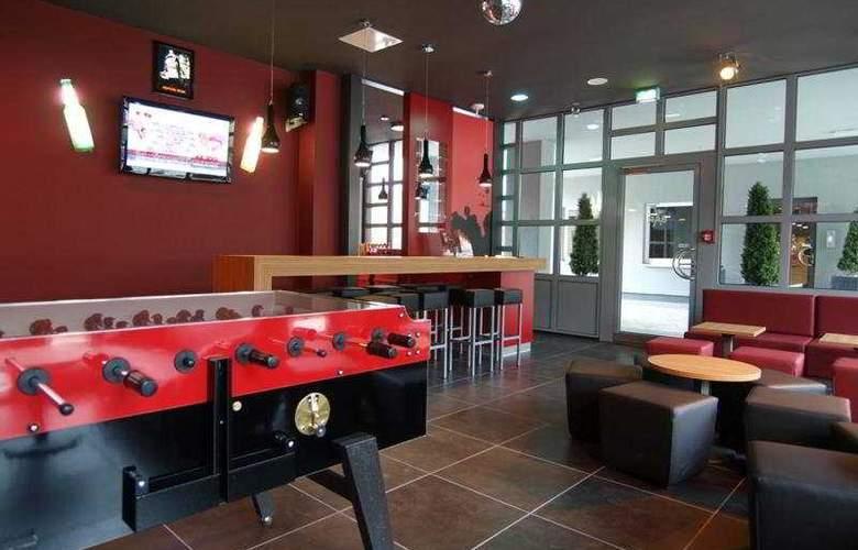 Meininger Hamburg City Center - Bar - 8