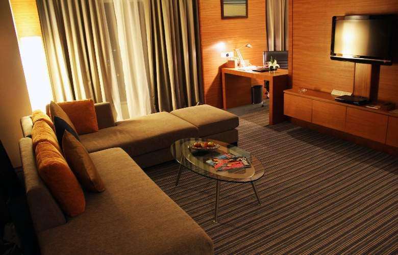 The Zenith Hotel - Room - 8